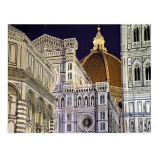 Florencia - catedral en la postal de la noche