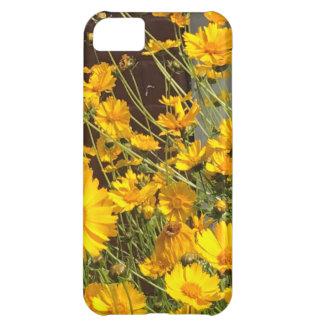 Flores amarillas felices brillantes en un manojo funda para iPhone 5C