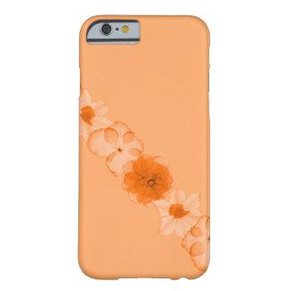 Flores anaranjadas del otoño funda de iPhone 6 barely there