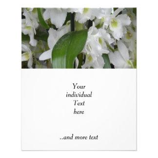 Flores blancos fantásticos flyer personalizado