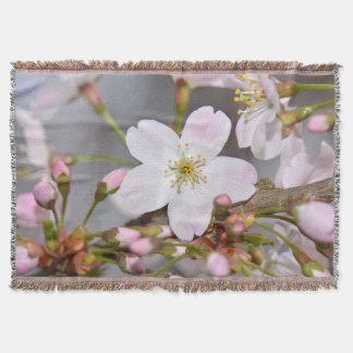 Flores de cerezo de florecimiento manta