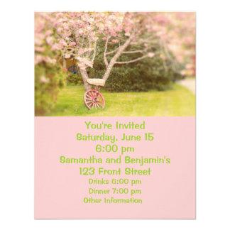 Flores de cerezo y rueda de carro vieja invitacion personalizada