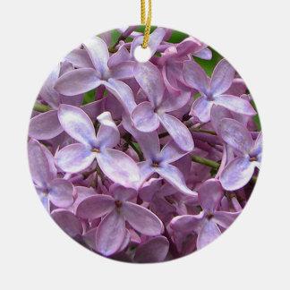 Flores de la lila adorno redondo de cerámica