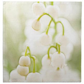 Flores del lirio de los valles servilleta de tela
