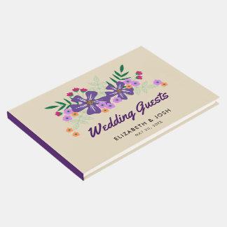 Flores dibujadas mano púrpura, casandose libro de visitas