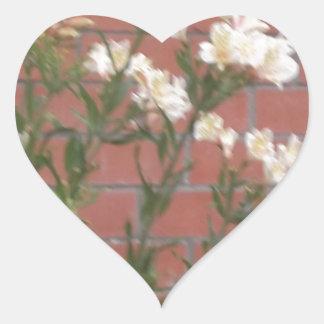Flores en ladrillo pegatina en forma de corazón