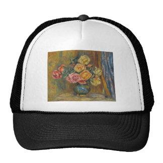 Flores en un florero gorras de camionero
