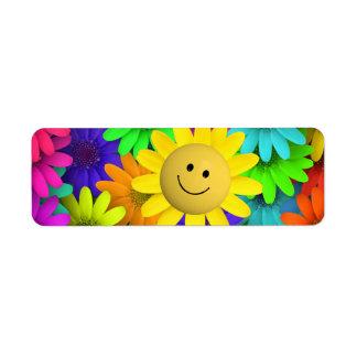 Flores felices lindas de la cara etiqueta de remite