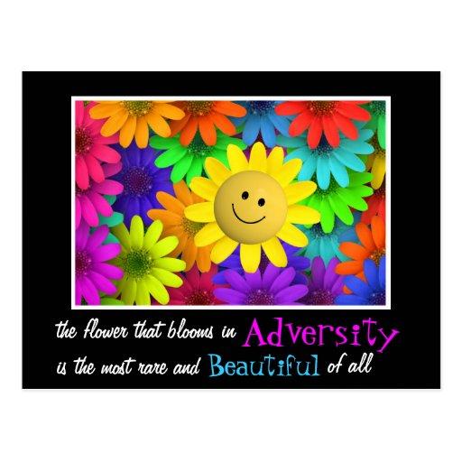 Flores felices lindas de la cara tarjeta postal