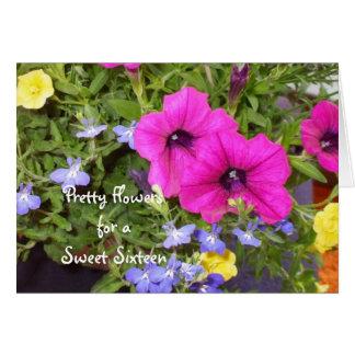 Flores mezcladas bonitas para su décimosexto cumpl felicitacion