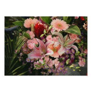 Flores mezcladas invitación 12,7 x 17,8 cm