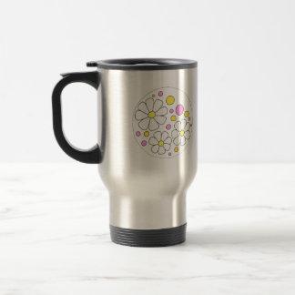 Flores retras de la margarita para el regalo de la taza de viaje