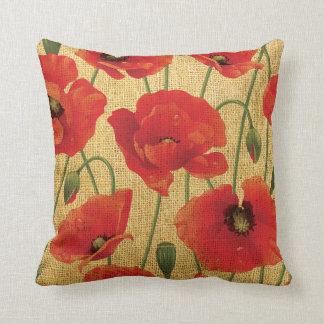 Flores rojas de la amapola cojín decorativo