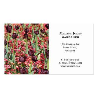 Flores rojas y tulipanes oscuros tarjeta de visita