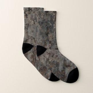 Flores y calcetines de la corteza