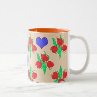Flores y corazones (elíjale poseen el fondo) taza bicolor