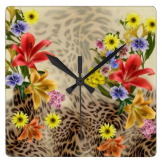 Flores y estampado leopardo coloridos reloj cuadrado