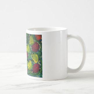 Flores y jardín del verano de la fruta taza clásica
