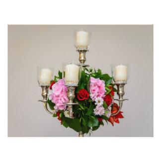 Flores y velas de pieza central tarjetón