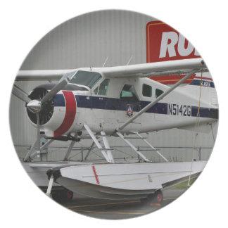 Flote el avión 24, capilla del lago, Alaska Plato