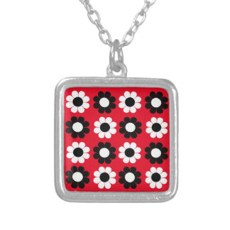 Flower power collar plateado