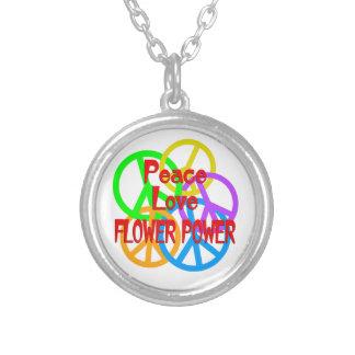 Flower power del amor de la paz collar plateado