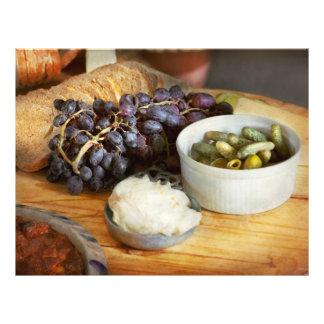 Flyer Comida - fruta - pepinillos y uvas
