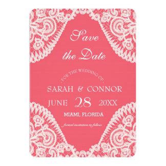 Fondo color de rosa del color con la invitación