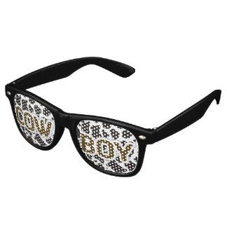Fondo del modelo de la vaca del muchacho de la gafas de fiesta retro