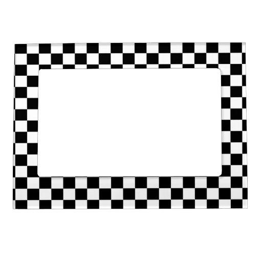 Fondo negro y blanco del tablero de damas marcos magneticos para fotos
