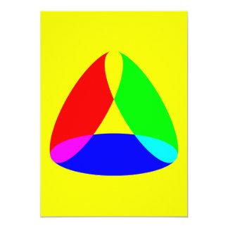 forma colorida del triángulo invitación 12,7 x 17,8 cm