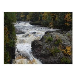 Foto adaptable hermosa de la cascada postales