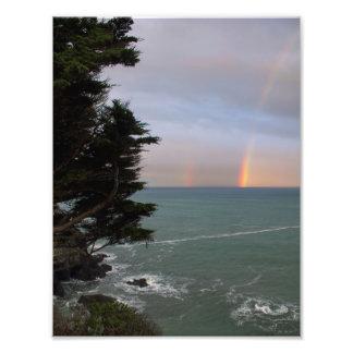 Foto Arco iris sobre el océano en la costa de Mendocino