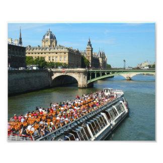 Foto Barco del viaje en el río Sena en París
