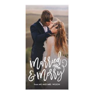 Foto casada y feliz del día de fiesta tarjeta fotográfica personalizada