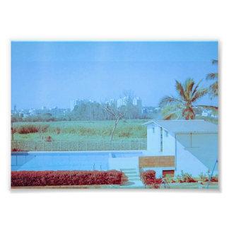 Foto Cielo azul con el campo verde