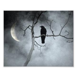 Foto Cielo cambiante y una luna creciente
