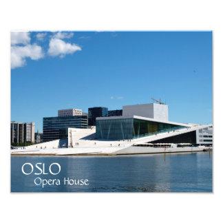 Foto Cielos azules sobre el teatro de la ópera de Oslo,