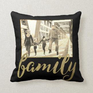 Foto de familia negra de la sepia del oro cojín decorativo