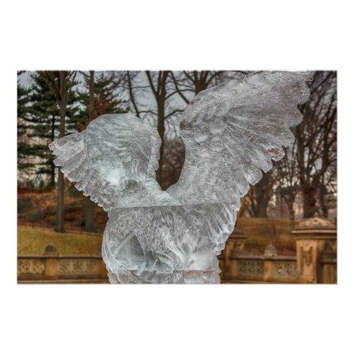 Foto de la escultura de hielo del ángel en Central