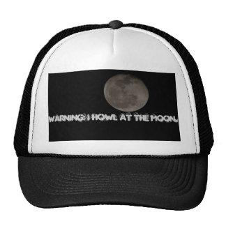 Foto de la luna con el comentario divertido gorra