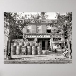 Foto de la tienda del neumático del vintage, póster