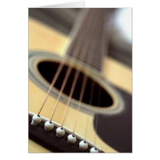 Foto del primer de la guitarra acústica tarjeta de felicitación