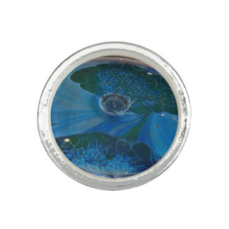 foto del vidrio azul y verde del anillo -