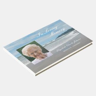 Foto en el libro de visitas conmemorativo o