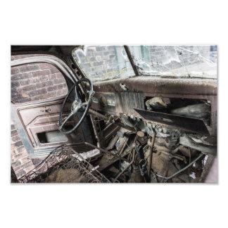 Foto Interior aherrumbrado del camión