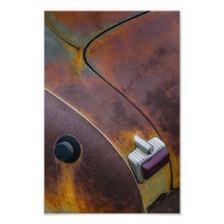 Foto La belleza de la textura de un coche envejecido