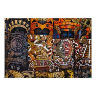 Foto Máscaras de madera mayas en México