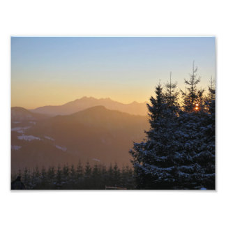 Foto Opinión de la puesta del sol de las montañas de
