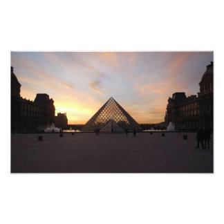 Foto Pirámide en el Louvre
